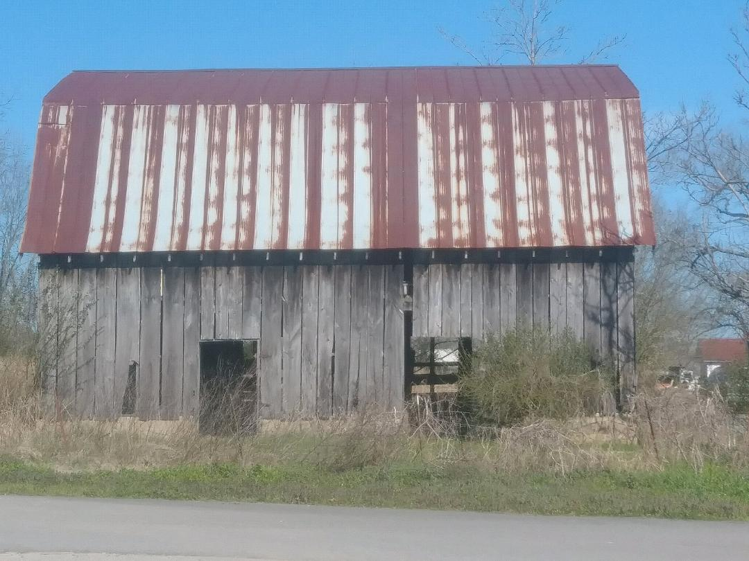 Old barn in Pangburn, Arkansas